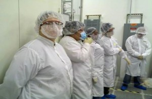 Carrie Culp (left) participating in the QESST REU program at the Student-Led Pilot Line